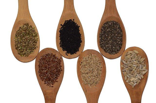 semínka na lžícíhc